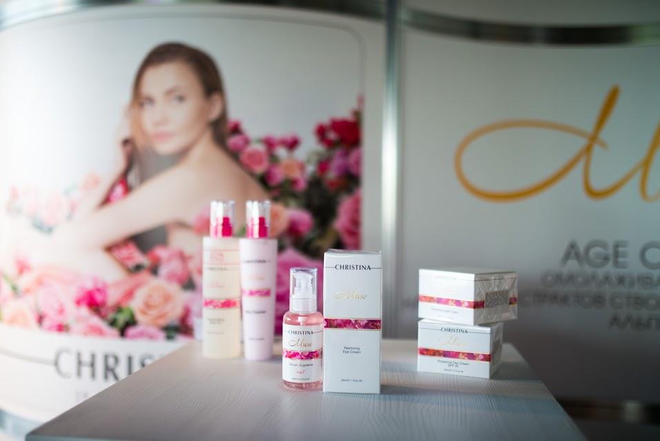 Все участницы получили подарки от Top Cosmetics и бренда Christina